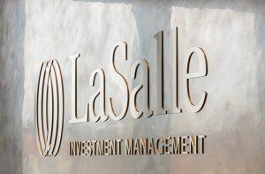 Metalloberflaeche Empfang LaSalle Detail