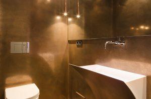 Metalloberflächen Gäste-WC, Toilette: exklusive Wandgestaltung