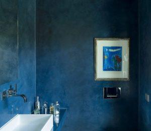Gäste-WC in einem privaten Wohnhaus in Grassello di Calce