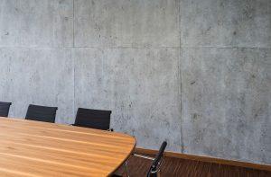 moderne Raumgestaltung mit Betonimitation